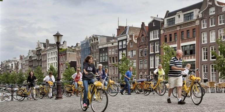 De 6 leukste plaatsen aan IJsselmeer en Markermeer voor een zeiltrip met jongeren