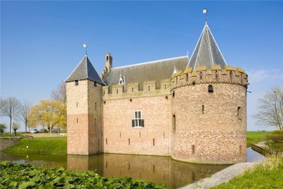 Besichtigung im Schloss Radboud in Medemblik