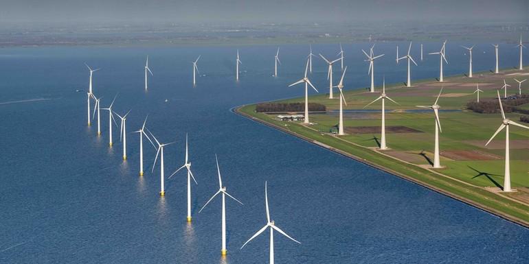 Segeln Sie mit durch den Windradpark Noordoostpolder